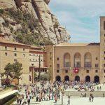 Spod Sagrada Familia na górę Montserrat